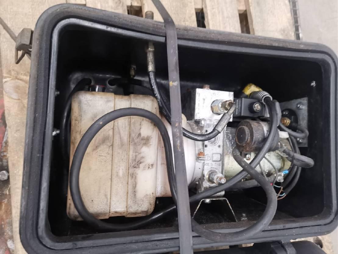 Opbouw vrachtwagen onderdeel Samro Occ Samro hydraulische pompunit 24V laadlift