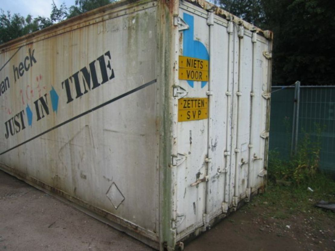 puin container Diversen gebruikte containers