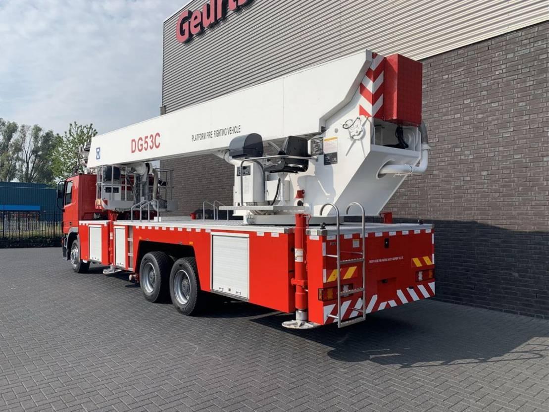 autohoogwerker vrachtwagen Mercedes-Benz Actros 3332 6X4 XCMG DG53C FIRE FIGTHING PLATFORM 53 METER 2012