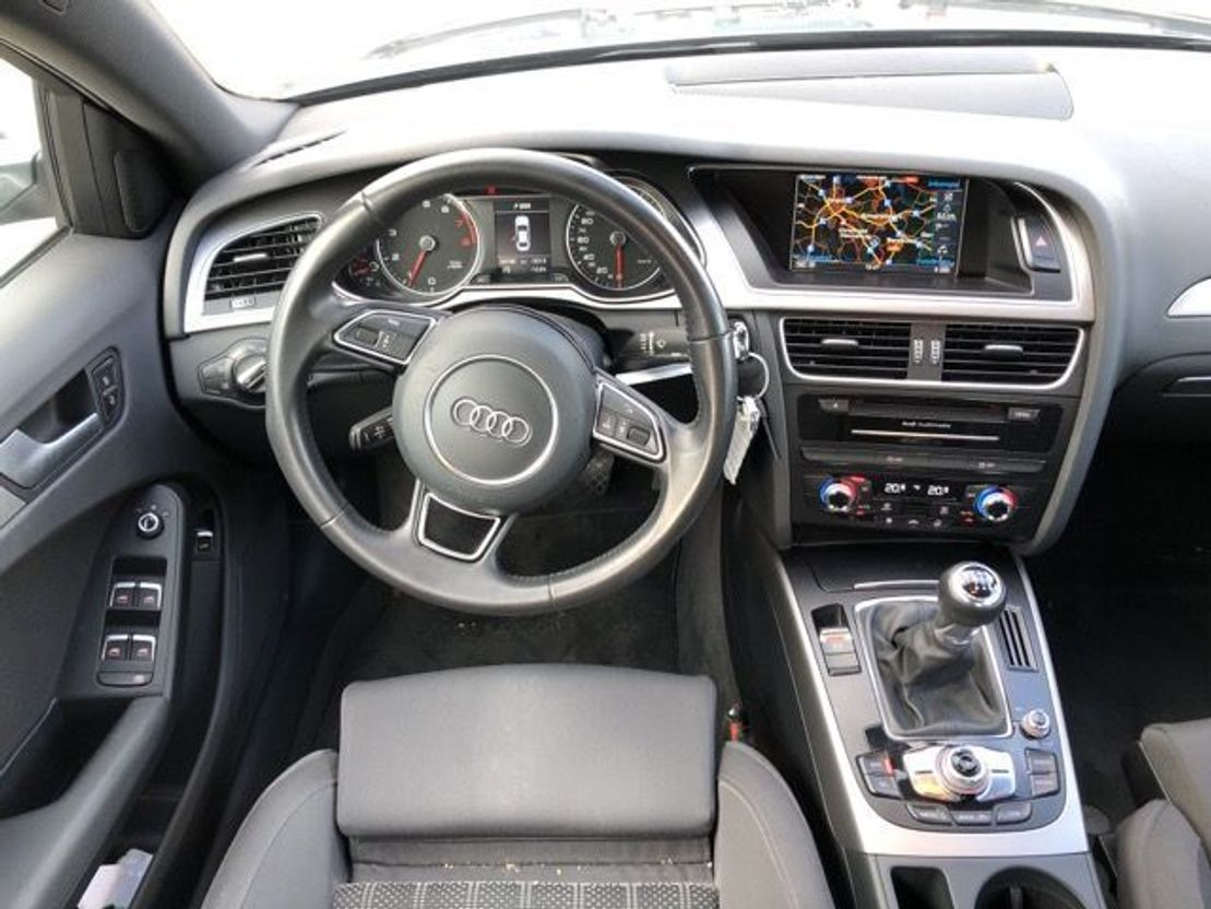 sedan auto Audi A4 2013