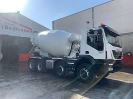 betonmixer vrachtwagen Iveco Trakker 410 hormigonera Baryval 10m3 - 2018 2018