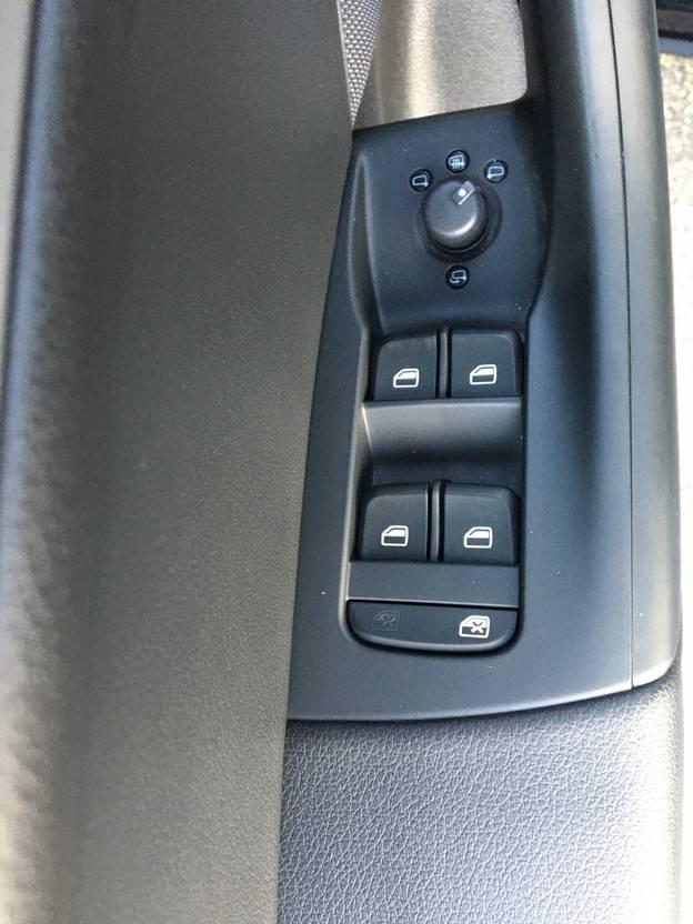 suv wagen Audi Q3 2.0 TDI Sport Edition (climate control - cruise control -electr. ramen V... 2015