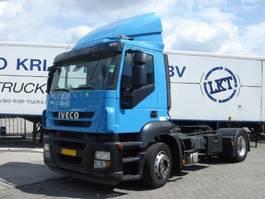 standaard trekker Iveco dagcabine , euro 5 , 330 pk , distributietrekker ,airco,standkachel