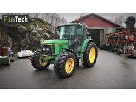 standaard tractor landbouw John Deere 6210 SE 2002