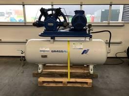 compressor Grassair L840 11 kW 1500 L / min 10 Bar Zuigercompressor 500 liter luchtketel