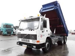 kipper vrachtwagen > 7.5 t Volvo FL10 380 manual pump 1992