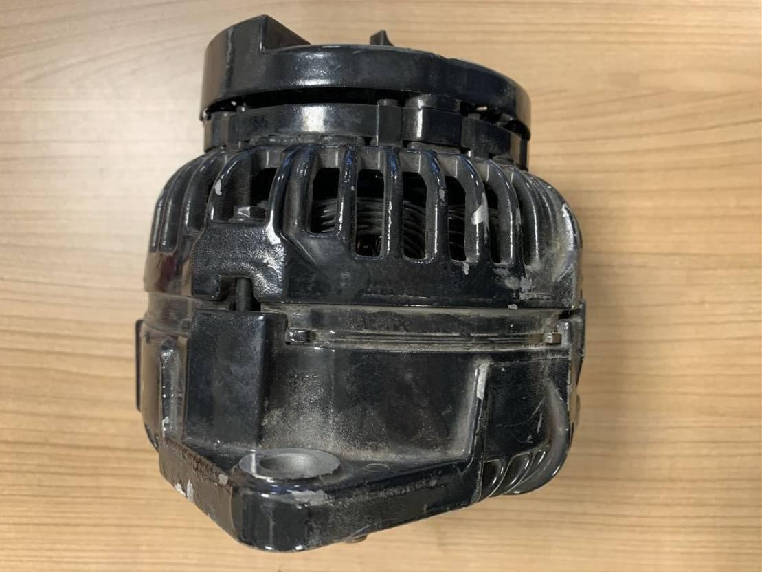 dynamo vrachtwagen onderdeel Bosch Dynamo / Alternator / Lichtmaschine 2004