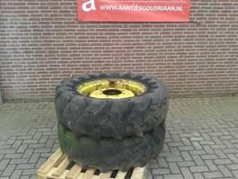 Wiel vrachtwagen onderdeel Pirelli