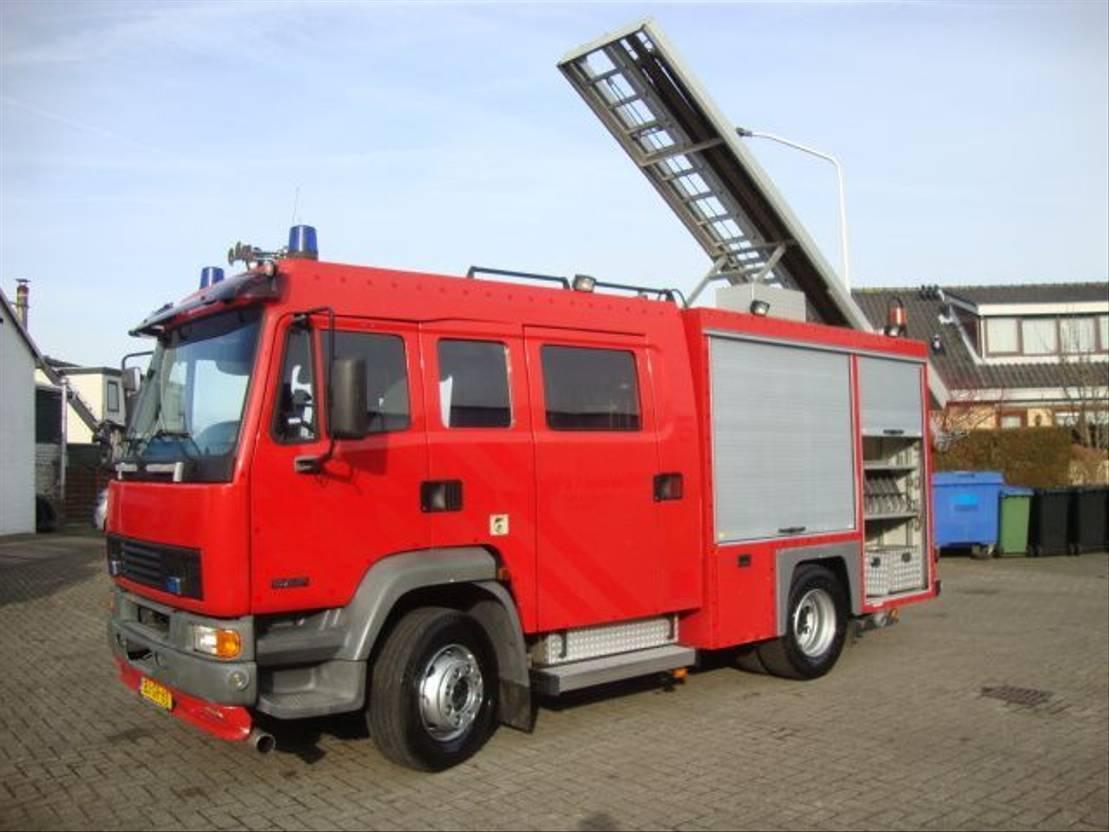 brandweerwagen vrachtwagen DAF LF 55 55-230 EURO2 fire feuerwehr bomberos 2000