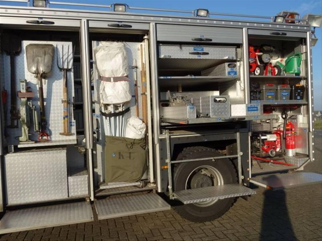 brandweerwagen vrachtwagen Scania P 114 CB 4X4 HZ 340 2004