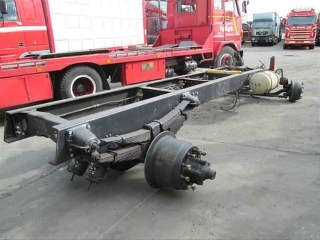 chassis vrachtwagen onderdeel Scania 110 110