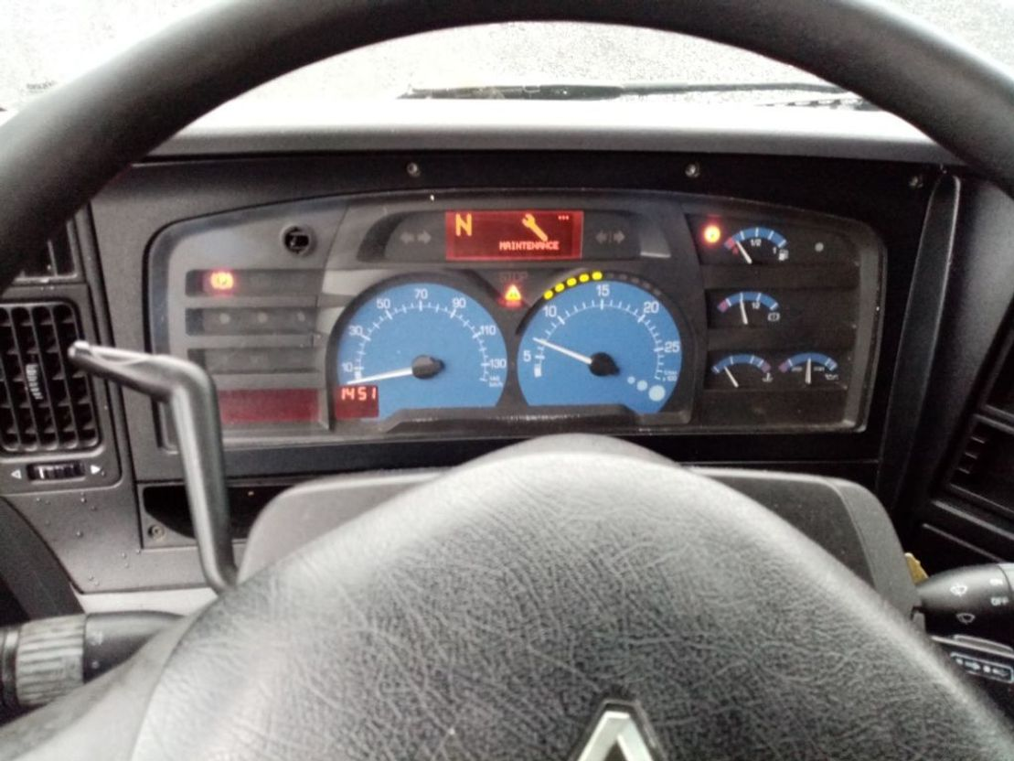 tankwagen vrachtwagen Renault premium 320 DCI citerne Magyar hydrocarbures 9 comp