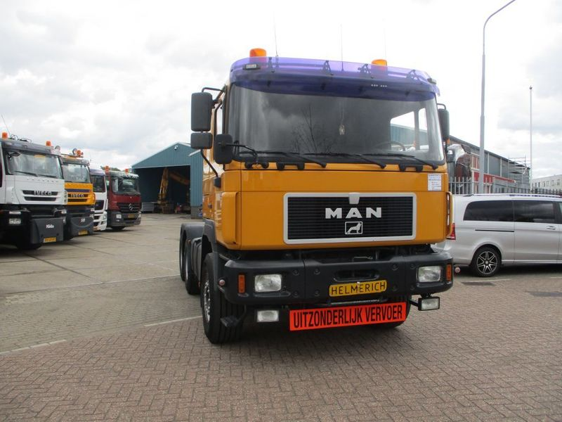 MAN - 28.403 COMMANDER 10 TYRES FULLSTEELSUSPENSION 1