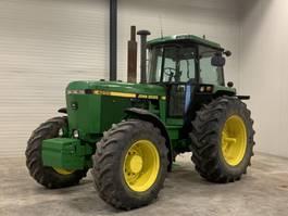 standaard tractor landbouw John Deere John deere 4x4 4255 like new 1989