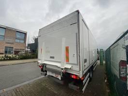 laadbak vrachtwagen onderdeel Renault gesloten laadbak + dhollandia laadklep 1500kg
