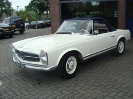 cabriolet auto Mercedes-Benz 230 Sl. 230 SL PAGODE 1964