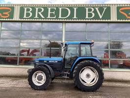 standaard tractor landbouw Ford / New Holland 7840 1996