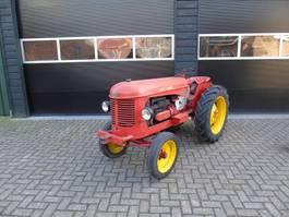 standaard tractor landbouw Massey Ferguson Harris smalspoor oldtimer trekker 1956