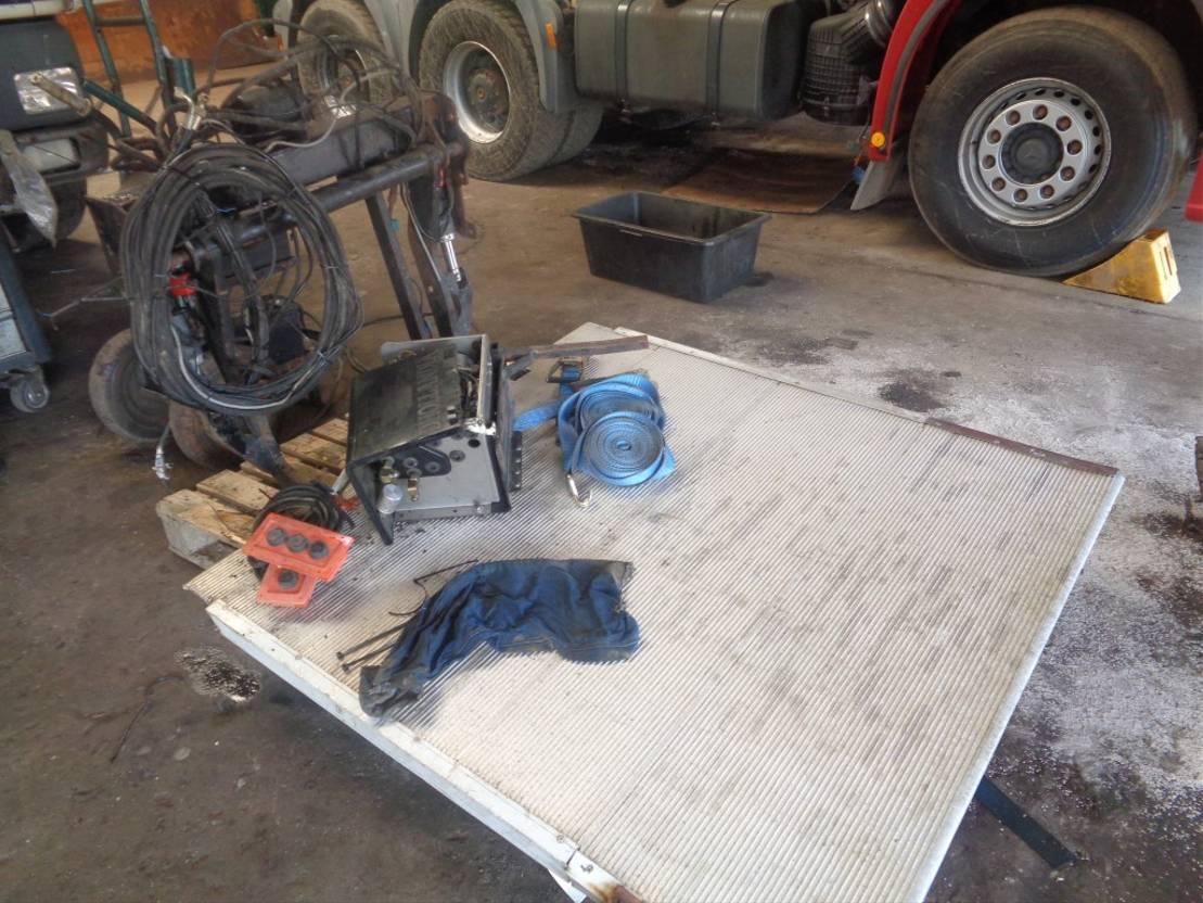 Opbouw vrachtwagen onderdeel Dhollandia Occ laadlift dhollandia
