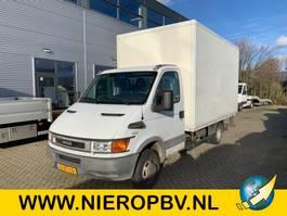 gesloten bestelwagen Iveco DAILY 50C13 BAKWAGEN LAADKLEP 2003