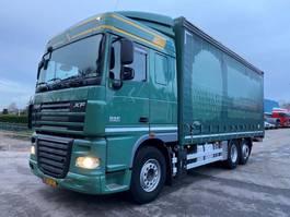 bakwagen vrachtwagen DAF FAR XF105 2011