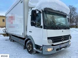 bakwagen vrachtwagen Mercedes-Benz 818 Box truck 2005