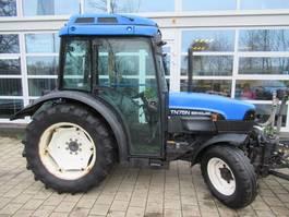 standaard tractor landbouw New Holland TN75N 4WD Airco Supersteer 2001
