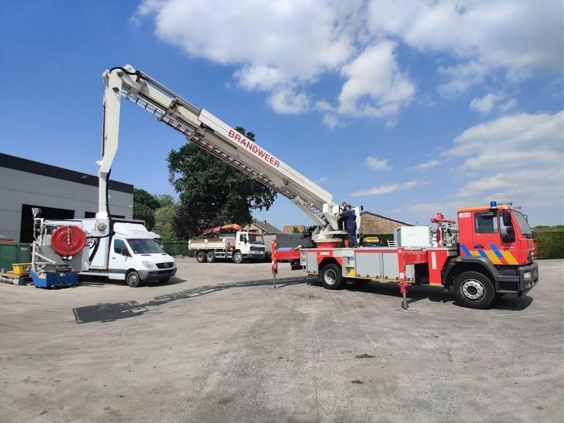 autohoogwerker vrachtwagen MAN 18-280 LE 4X2 Elevator 27m Magirus -  Feuerwehr / Firetruck / Pompiers 2006