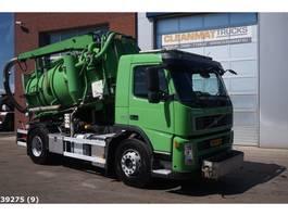 kolkenzuiger vrachtwagen Volvo FM9-300 DHM kolkenzuiger 2009
