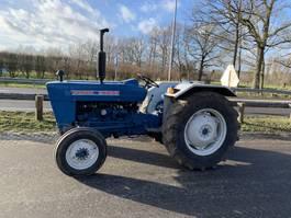 standaard tractor landbouw Ford 2000