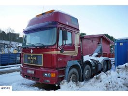 containersysteem vrachtwagen MAN 32,463 8x4 hook truck with build from 2008 1997