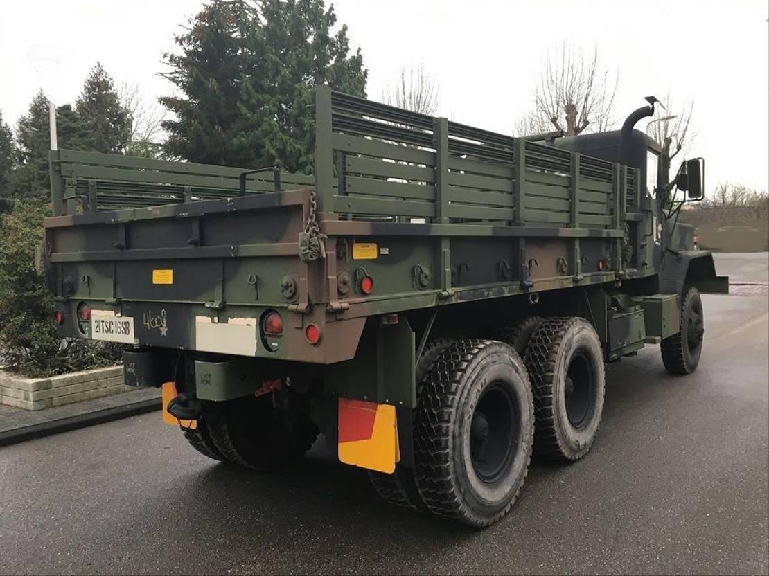 leger vrachtwagen Reo 6x6