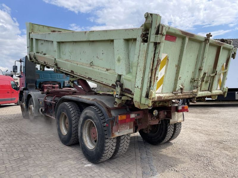 Iveco - 340E37 8x4 heavy duty two way tipper 3