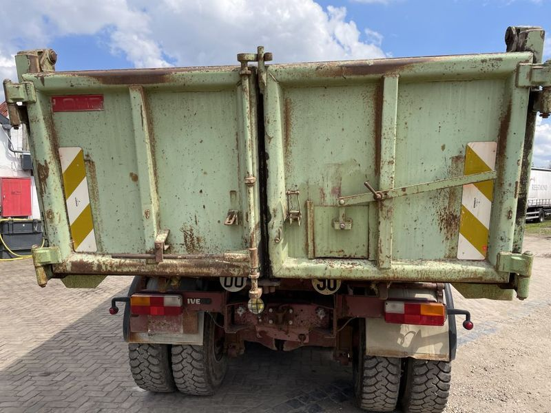 Iveco - 340E37 8x4 heavy duty two way tipper 5