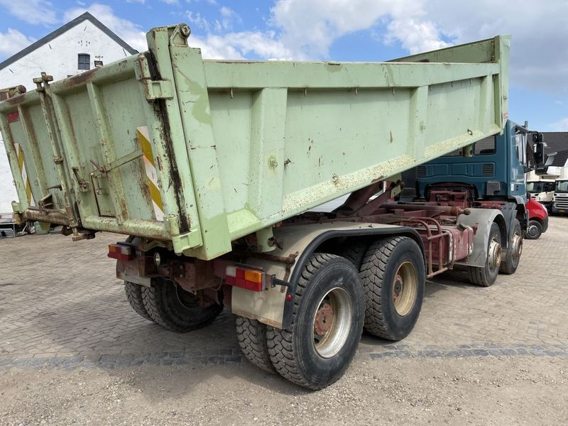 Iveco - 340E37 8x4 heavy duty two way tipper 4