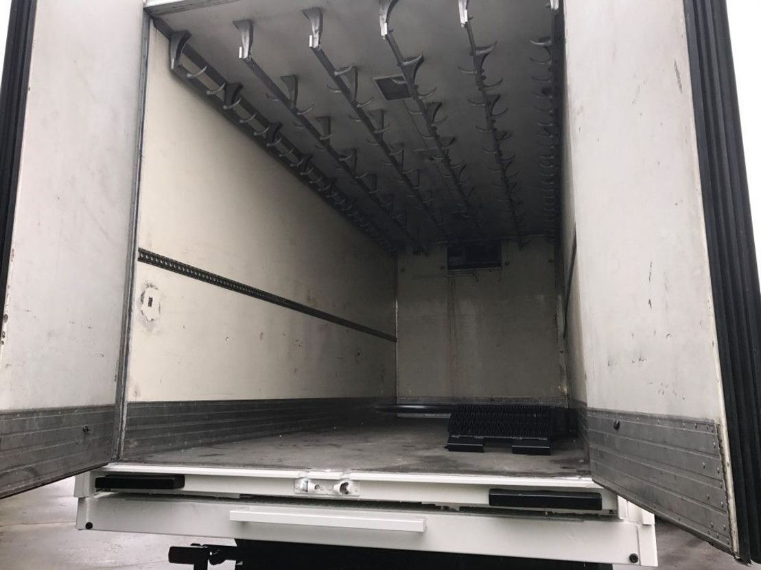 leger vrachtwagen Mercedes-Benz 1017 - Frigo/Fridge