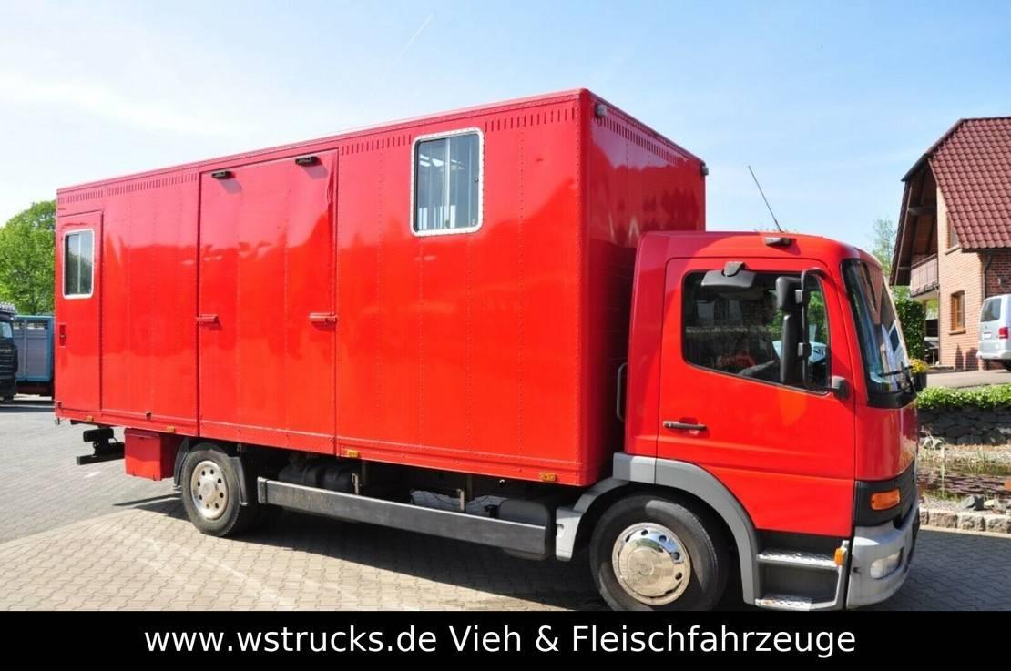 paardenvrachtwagen Mercedes-Benz 1224 EURO. 3 2004