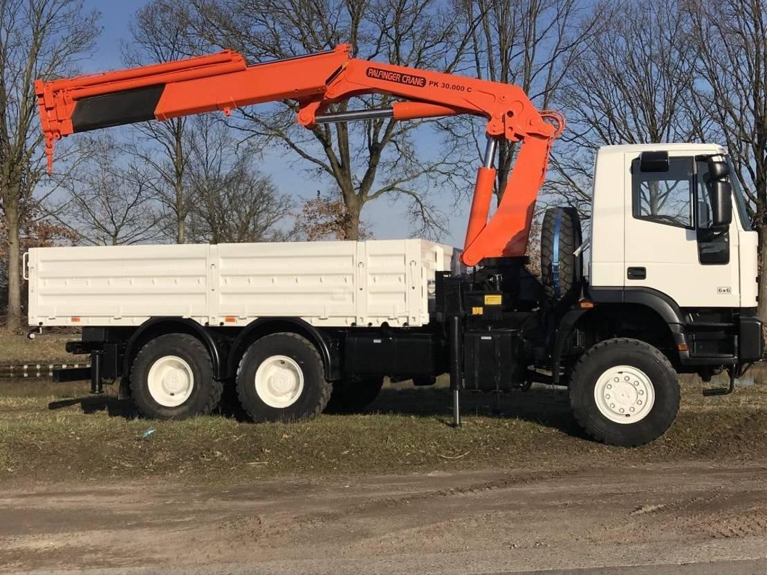 leger vrachtwagen Iveco Eurotrakker 260E37 - crane 30 ton