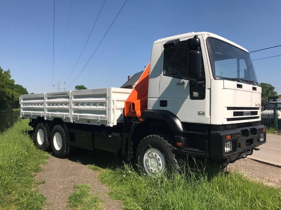 leger vrachtwagen Iveco Eurotrakker 260E37 - crane HMF 823 - 8TM