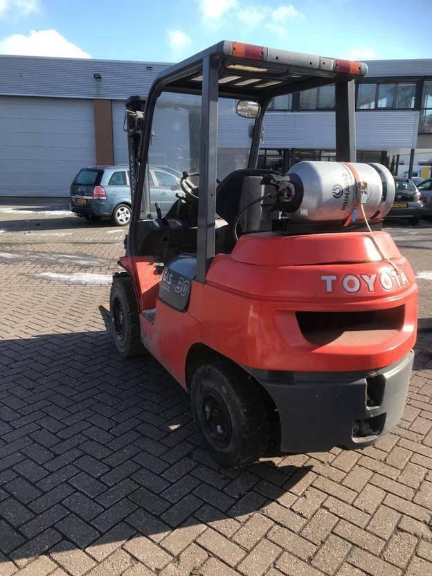 vorkheftruck Toyota 02-7fgf30 2004