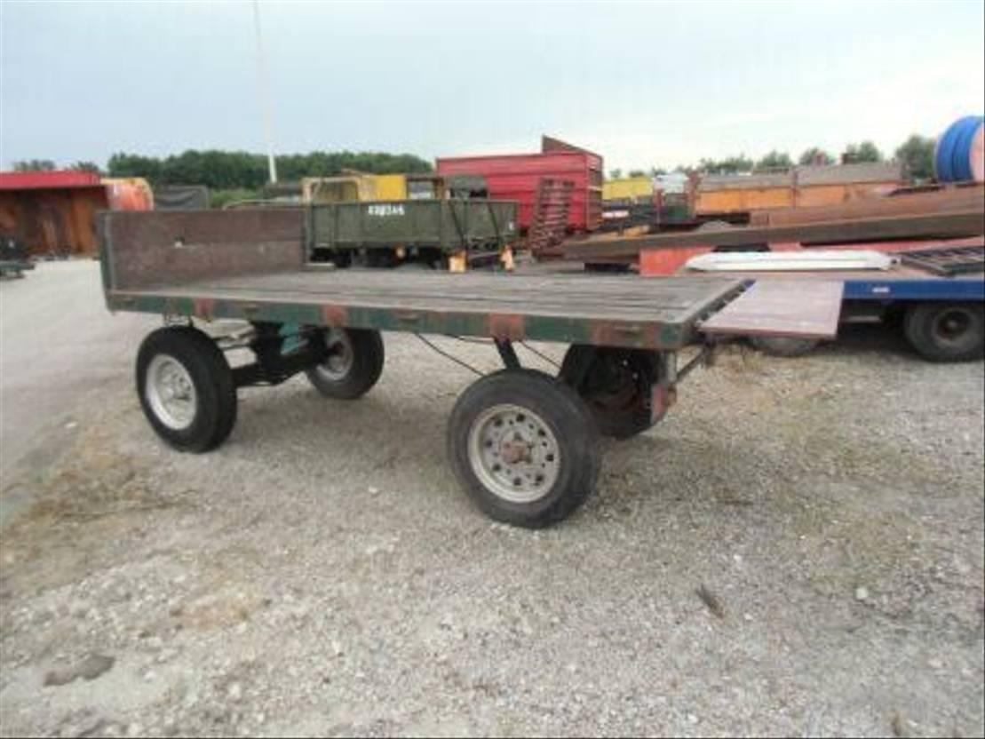 platte aanhanger vrachtwagen Diversen bandenwagen