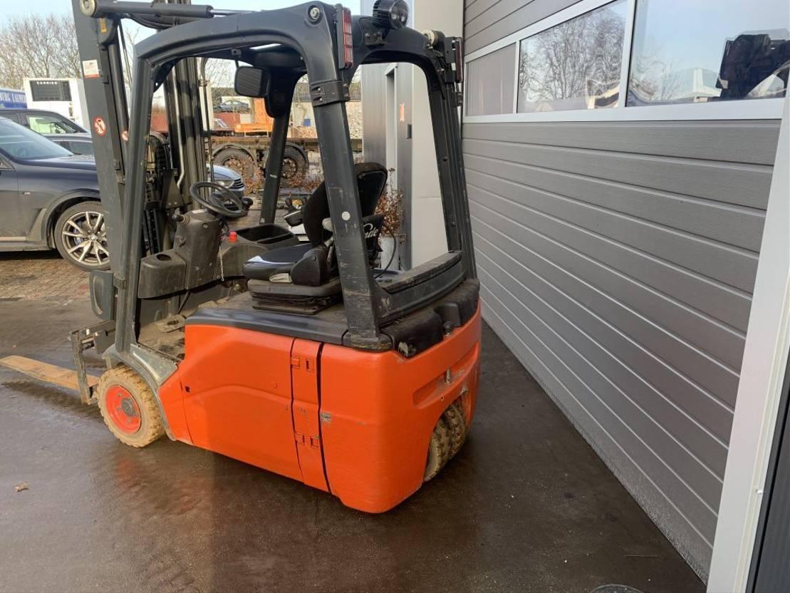 vorkheftruck Linde E16 -01 1,6 ton elektrisch 2012
