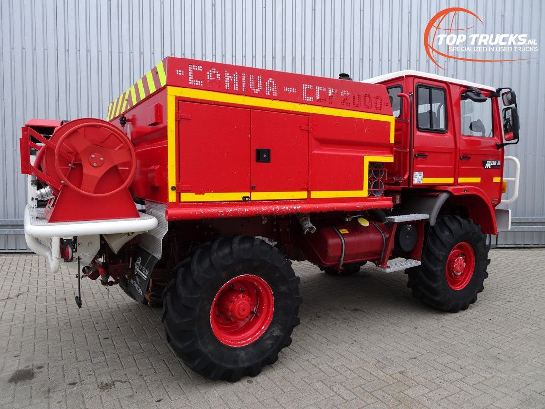 brandweerwagen vrachtwagen Renault M150 4x4 feuerwehr - fire brigade - brandweer - 2.000 ltr. water tank- pomp 1994