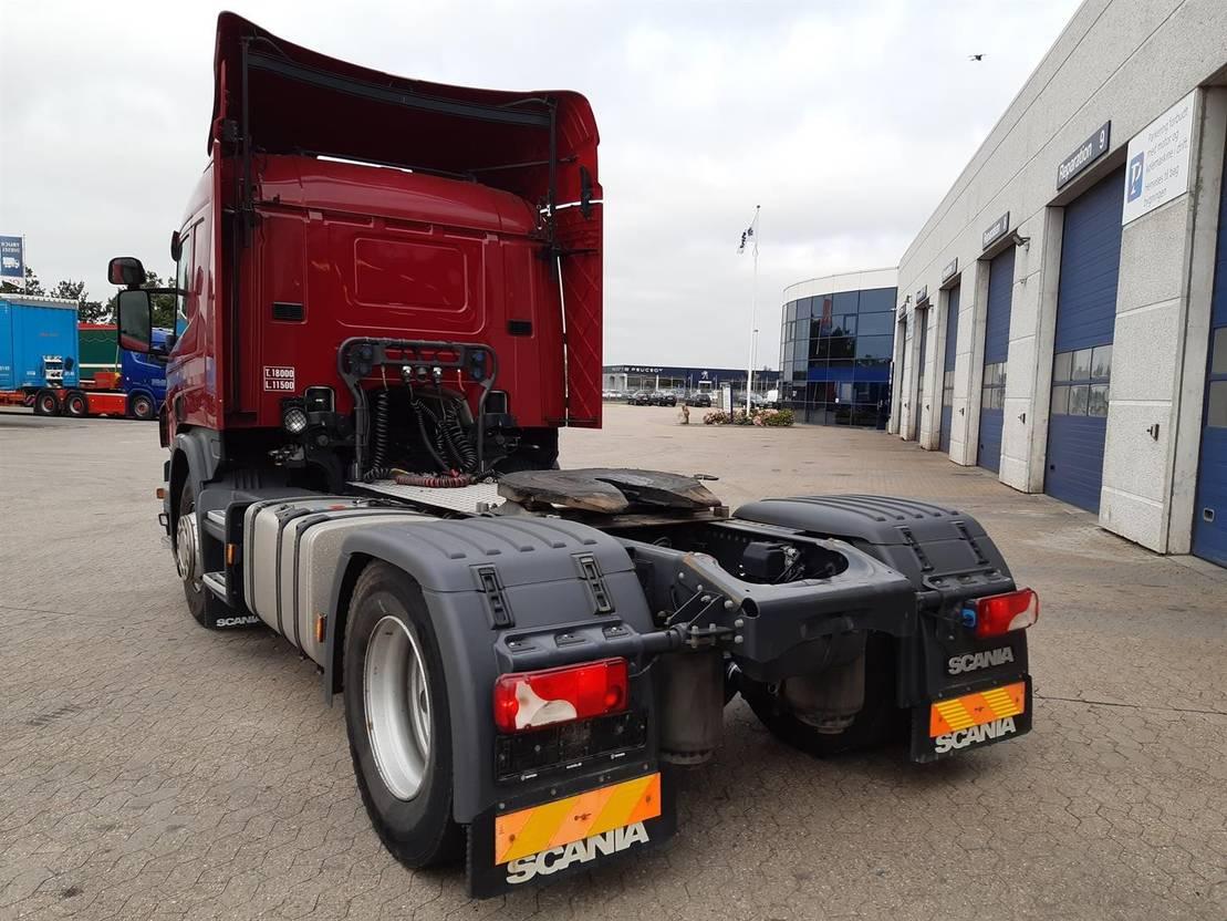 standaard trekker Scania P 360 LA4x2MNA 2014