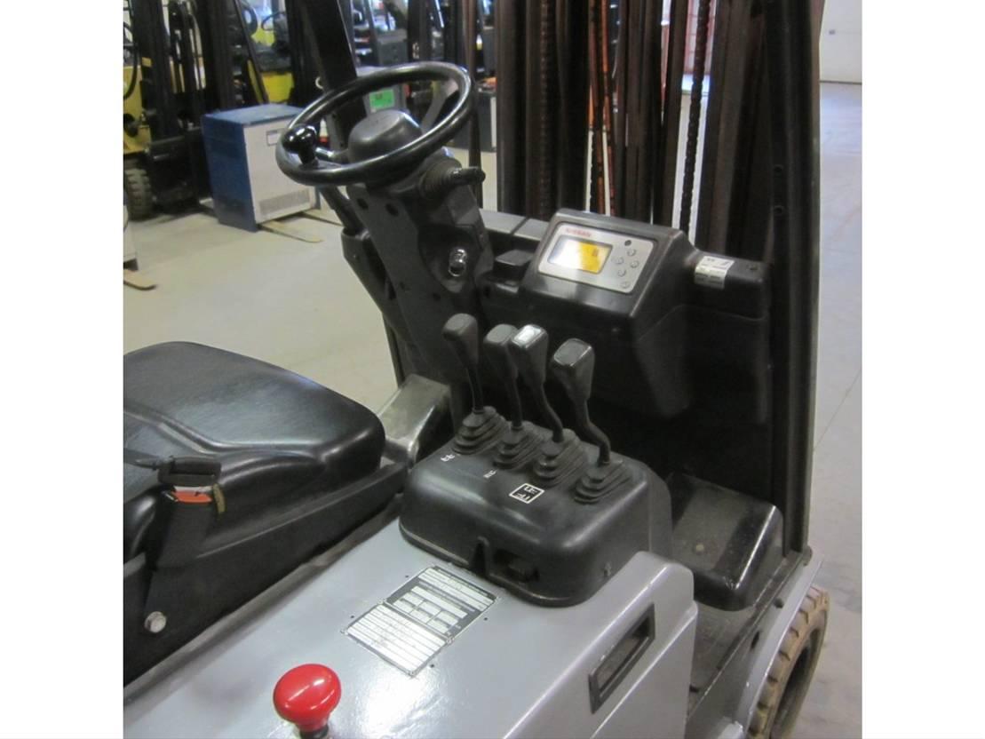 vorkheftruck Nissan electrisch heftruck TX16, triplomast, side shift 2006