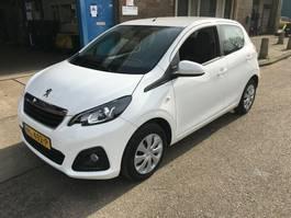 hatchback auto Peugeot 2017