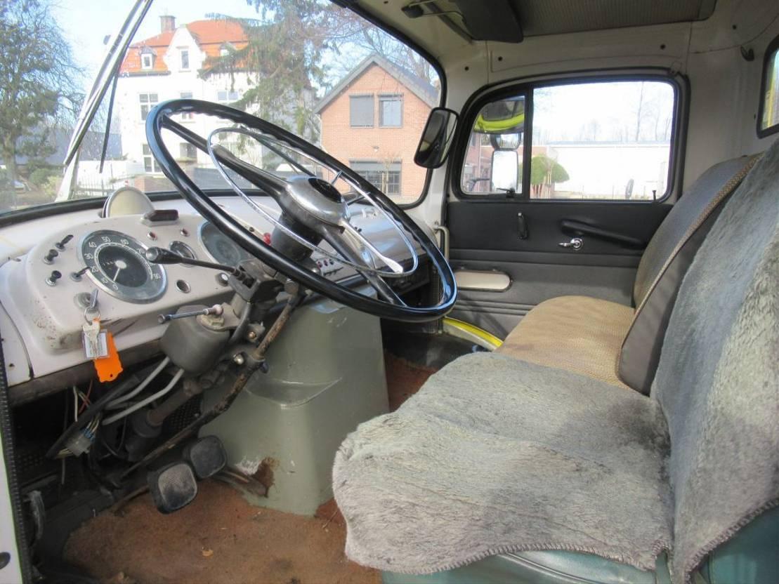 takelwagen-bergingswagen-vrachtwagen Mercedes-Benz 1413 TAKELWAGEN 1967