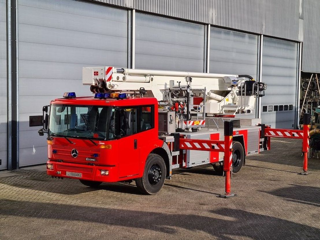 brandweerwagen vrachtwagen Diversen AERIAL PLATFORM SKYLIFT F27 RHL 2001