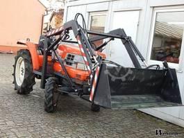 bosbouw trekker LEFA Voorlader Kubota GL23