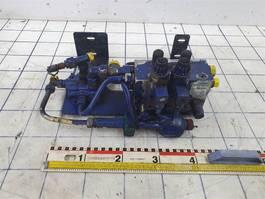 hydraulisch systeem equipment onderdeel Liebherr Valve and accumulator